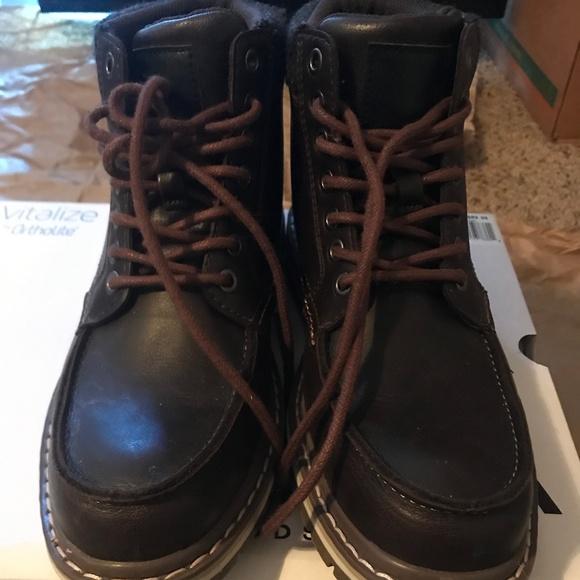95d3fafaa86 SONOMA men's boot (Size:7.5)